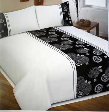 The organic cotton duvet cover.